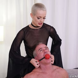 Sidra Sage in 'Dogfart' - Cuckold Sessions (Thumbnail 10)