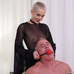 Sidra Sage in 'Dogfart' - Cuckold Sessions (Thumbnail 11)
