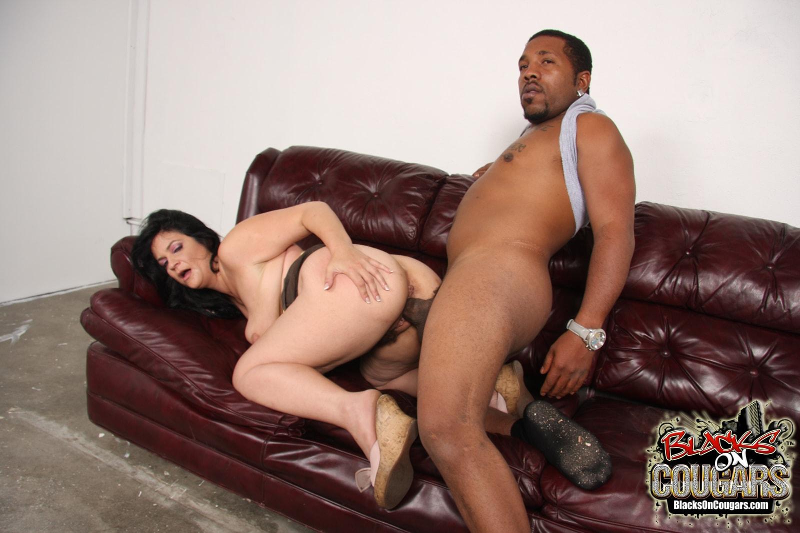 Dogfart '- Blacks On Cougars' starring Slut Deb (Photo 22)