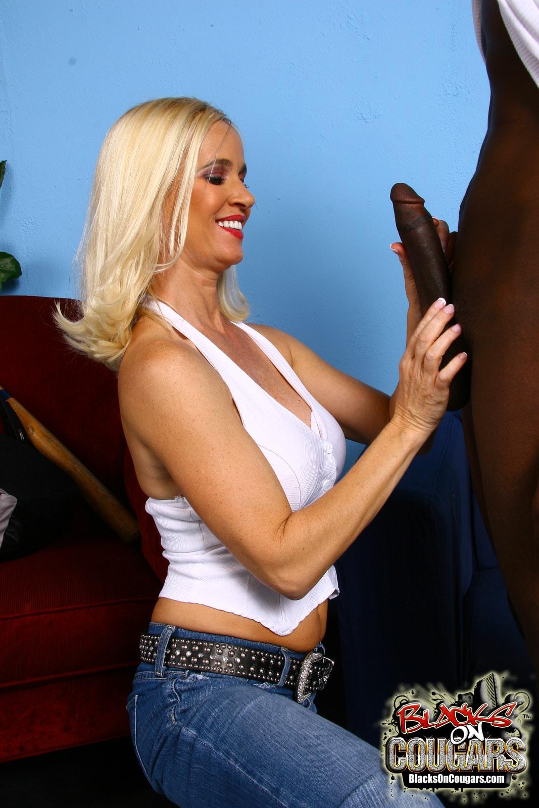 Dogfart '- Blacks On Cougars' starring Tabitha (Photo 9)