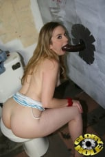 Tera Knightley - Glory Hole (Thumb 13)