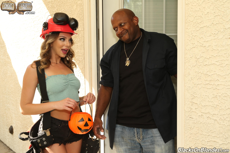 Dogfart '- Blacks On Blondes - Scene 3' starring Tiffany Watson (Photo 1)