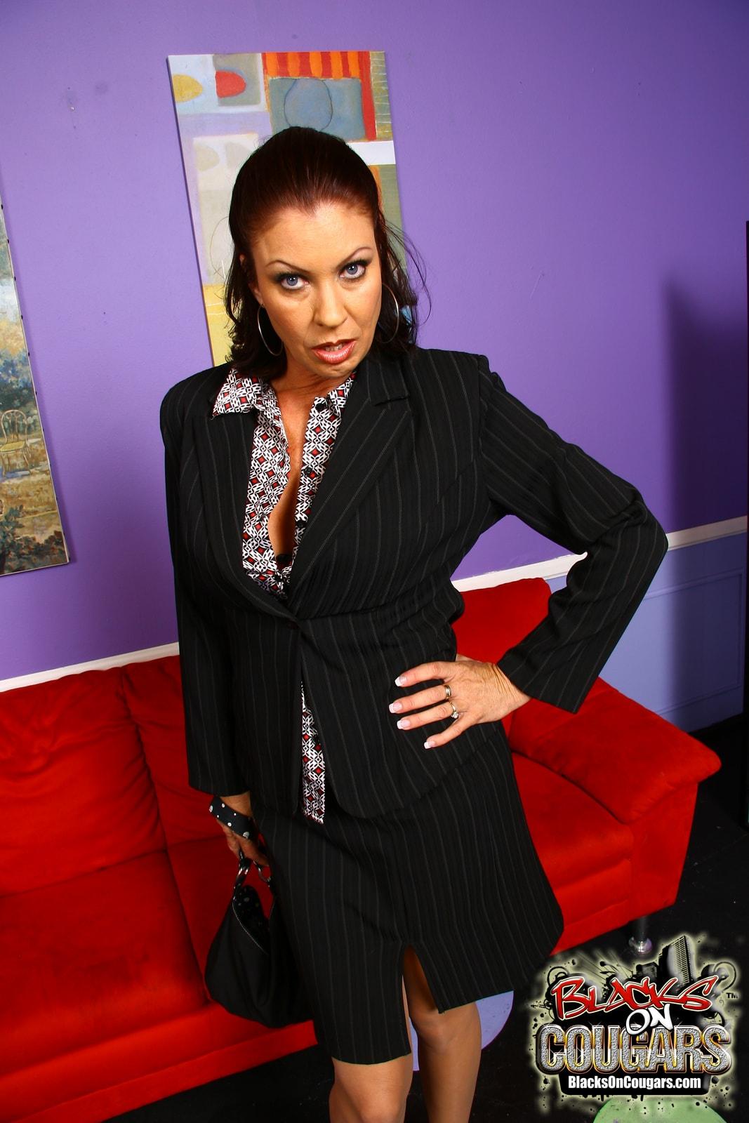 Dogfart '- Blacks On Cougars' starring Vanessa Videl (Photo 5)