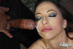 Veronica Jett - Interracial Blowbang (Thumb 28)