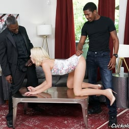 Zoe Sparx in 'Dogfart' - Cuckold Sessions (Thumbnail 13)