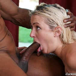 Zoe Sparx in 'Dogfart' - Cuckold Sessions (Thumbnail 21)