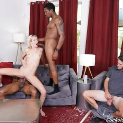 Zoe Sparx in 'Dogfart' - Cuckold Sessions (Thumbnail 24)