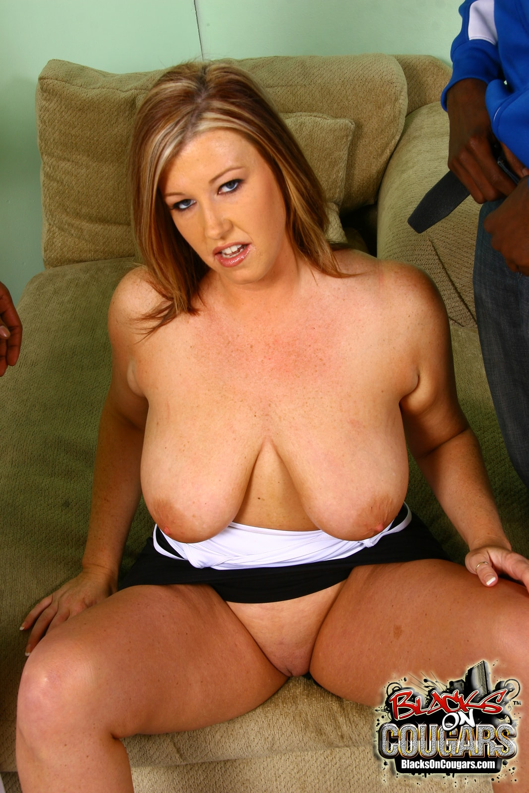 Dogfart '- Blacks On Cougars' starring Zoey Andrews (Photo 9)